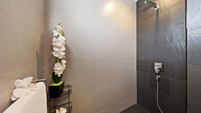 Villa Nabu - shared bathroom